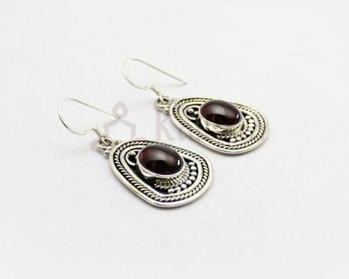 Maharani stone earrings Garnet