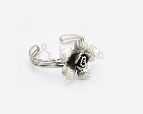 Shaded silver rose cuff
